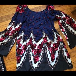 Free people tunic with bell sleeves/ Low Back